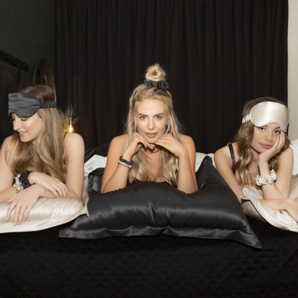 oxford silk black-pillowcase